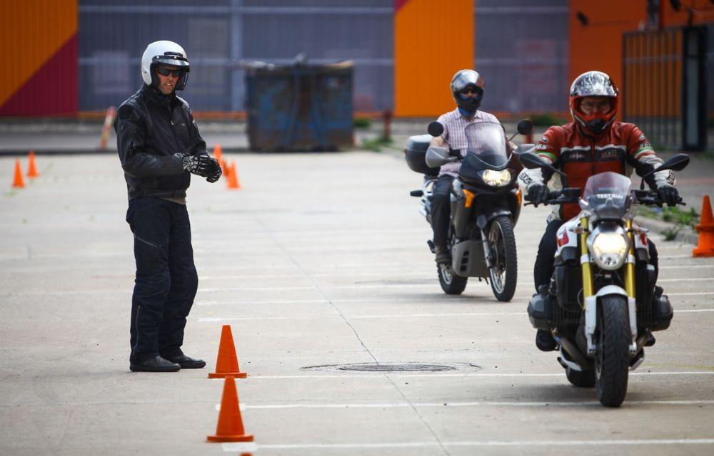 La şcoală pe două roţi: de ce ai nevoie de un curs de conducere defensivă după ce-ţi iei permisul moto - Poza 19