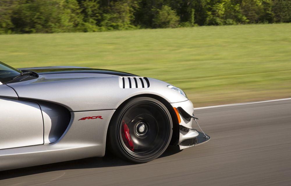 Dodge Viper ACR, cea mai performantă versiune a sportivei, se prezintă - Poza 17