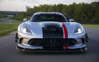 Dodge Viper ACR, cea mai performantă versiune a sportivei, se prezintă