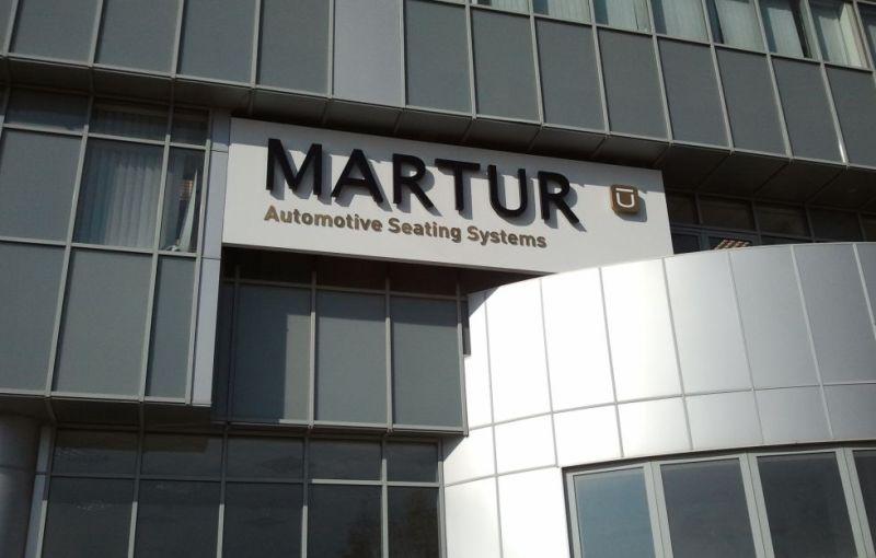 Un furnizor turc al mărcii Dacia a inaugurat o fabrică de scaune auto în judeţul Argeş - Poza 1
