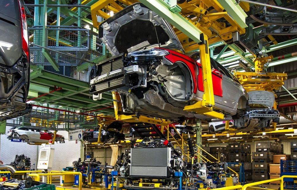 Ford a început producţia modelelor Mondeo, S-Max şi Galaxy Vignale la uzina din Valencia - Poza 2