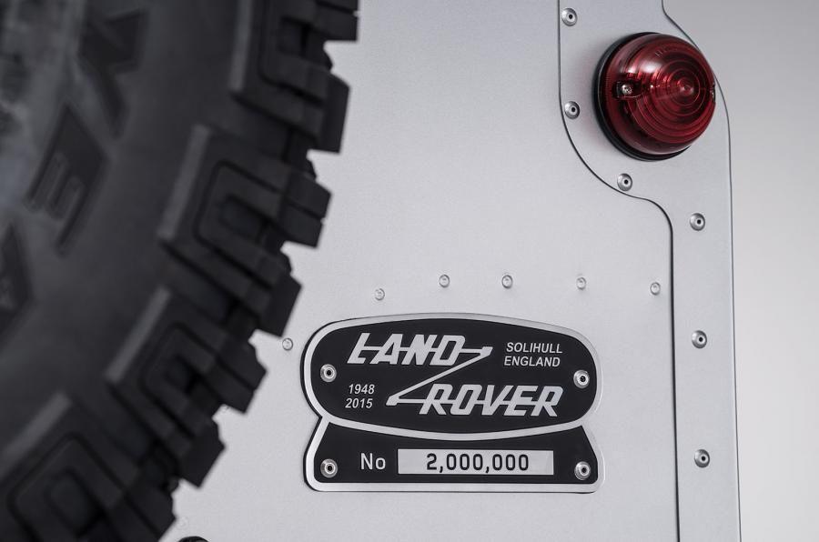 Land Rover Defender a ajuns la borna două milioane chiar în anul de adio - Poza 11