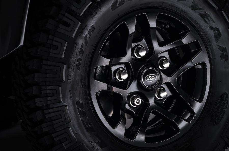 Land Rover Defender a ajuns la borna două milioane chiar în anul de adio - Poza 10