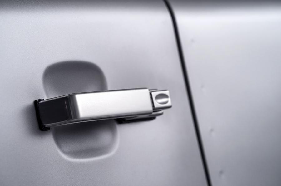 Land Rover Defender a ajuns la borna două milioane chiar în anul de adio - Poza 8