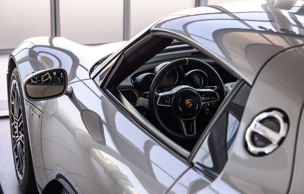 Galeria Țiriac Collection s-a îmbogățit cu un nou exponat: Porsche 918 Spyder - Poza 24