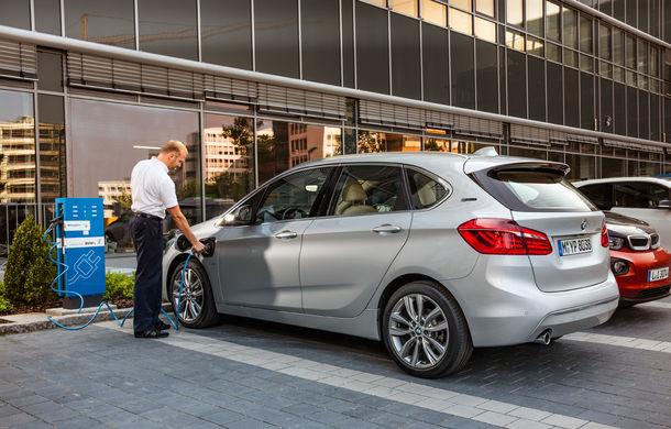 BMW 225xe Active Tourer este primul monovolum plug-in hybrid produs de marca bavareză - Poza 20