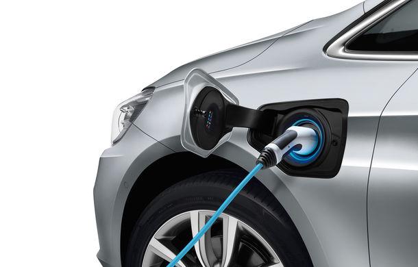 BMW 225xe Active Tourer este primul monovolum plug-in hybrid produs de marca bavareză - Poza 7