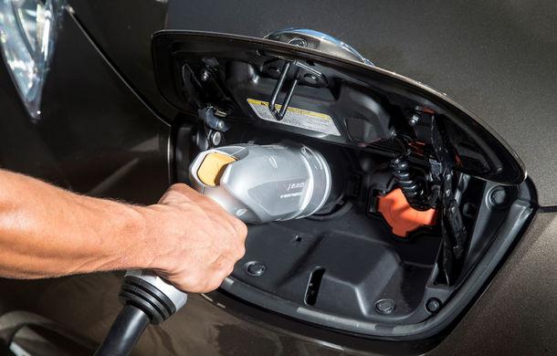 Nissan Leaf primeşte un update pentru 2016: autonomia creşte la 250 de kilometri - Poza 7