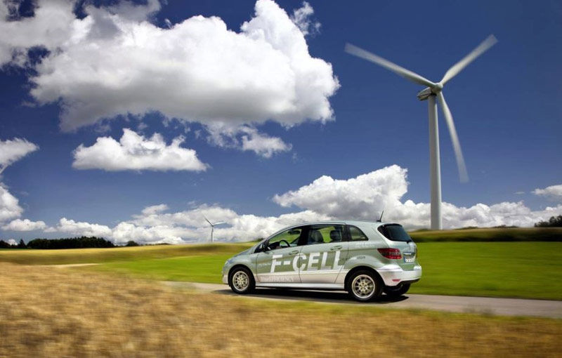 Mercedes neagă oficial instalarea unor sisteme capabile să fraudeze testele de emisii - Poza 1