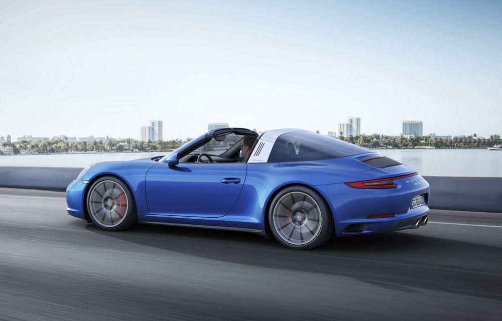 Porsche a aplicat facelift-ul lui 911 și pe variantele cu tracțiune integrală - Poza 6