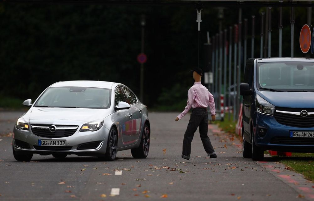 Opel prezintă prototipul unui Insignia capabil să evite singur accidentele - Poza 3