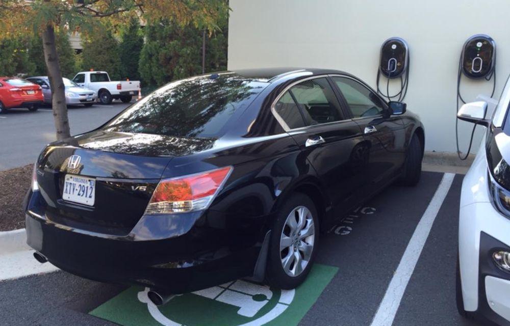 """Probleme noi pentru proprietarii de mașini electrice din SUA: """"E nevoie de reguli de bun-simț la punctele de încărcare"""" - Poza 2"""