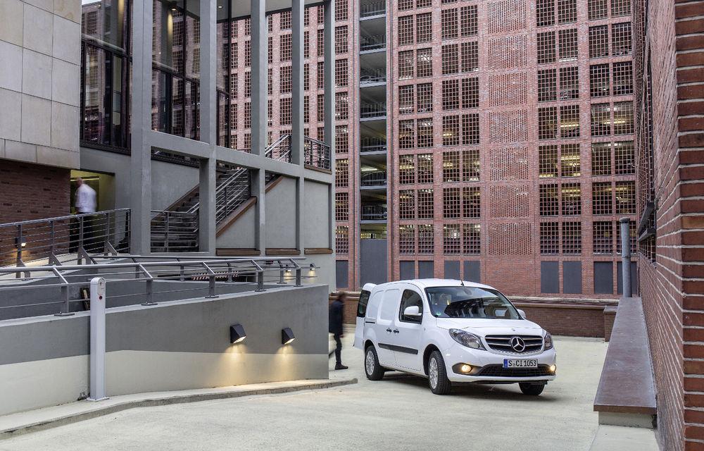 Mercedes-Benz Citan, fratele german al lui Renault Kangoo, primește un motor 1.2 benzină turbo și o transmisie automată - Poza 12
