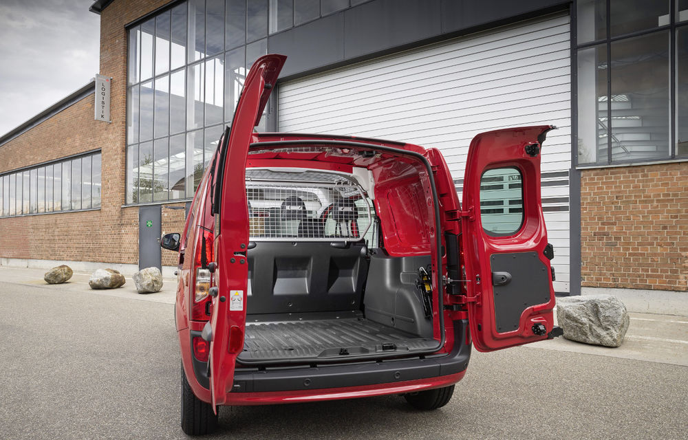 Mercedes-Benz Citan, fratele german al lui Renault Kangoo, primește un motor 1.2 benzină turbo și o transmisie automată - Poza 13