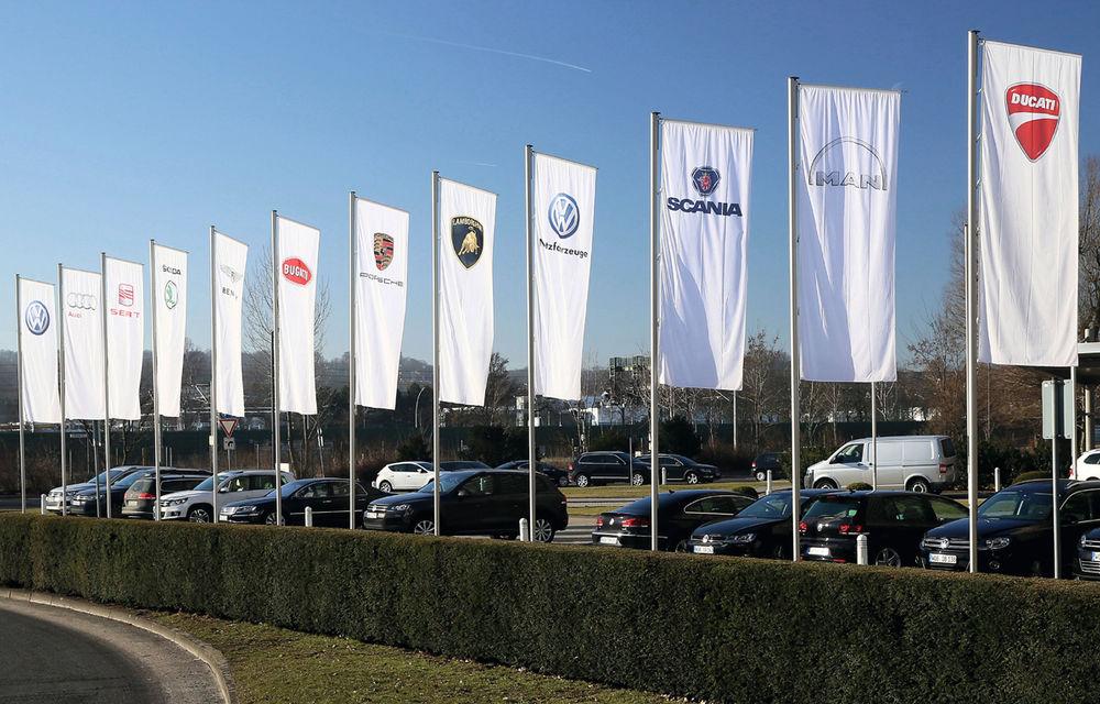 Începe destrămarea imperiului? Volkswagen ar putea vinde Bentley şi Lamborghini dacă nu va putea plăti împrumutul de 20 de miliarde - Poza 1