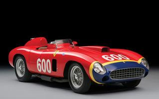 Licitații auto de top: 25 de milioane de euro pentru un Ferrari condus de Fangio și 1.6 milioane pe Porsche-ul psihedelic al lui Janis Joplin