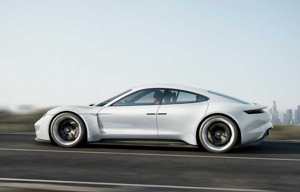 Exemplu de dedicare: muncitorii Porsche renunță la măririle salariale pentru a putea să producă primul model electric al mărcii - Poza 1