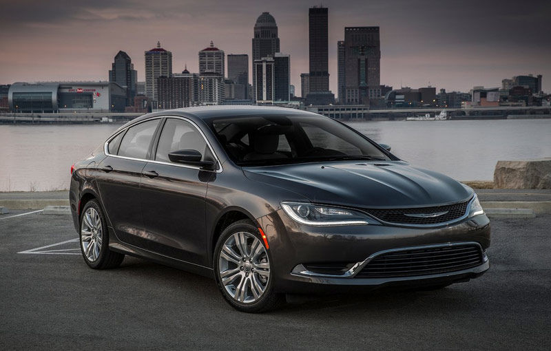 """Sergio Marchionne își toarnă cenușă în cap: """"Chrysler 200 n-a avut succes pentru că am copiat designul lui Hyundai Sonata"""" - Poza 1"""