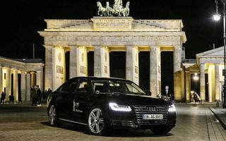 S-a scris istorie: un Audi A8 a transportat fără șofer un actor pe străzile din Berlin