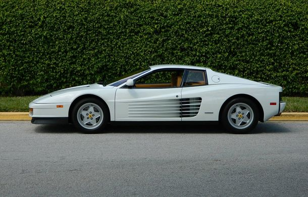 Lupul de pe Wall Street face bani și după retragere: mașina lui Jordan Belfort se vinde cu un milion de dolari - Poza 8