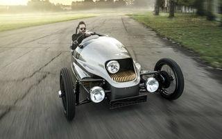 Morgan EV3 este cea mai nonconformistă electrică din lume: trei roți, design retro, autonomie 240 de kilometri