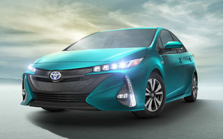 L-a tras curentul: noul Toyota Prius poate fi acum încărcat și la priză