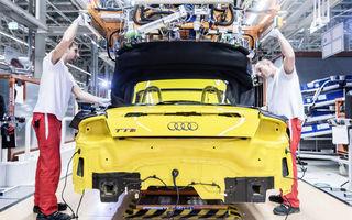 Ungurii s-au săturat de salariile mici: angajaţii Audi ameninţă cu greva după ce li s-a refuzat o mărire de 65 de euro
