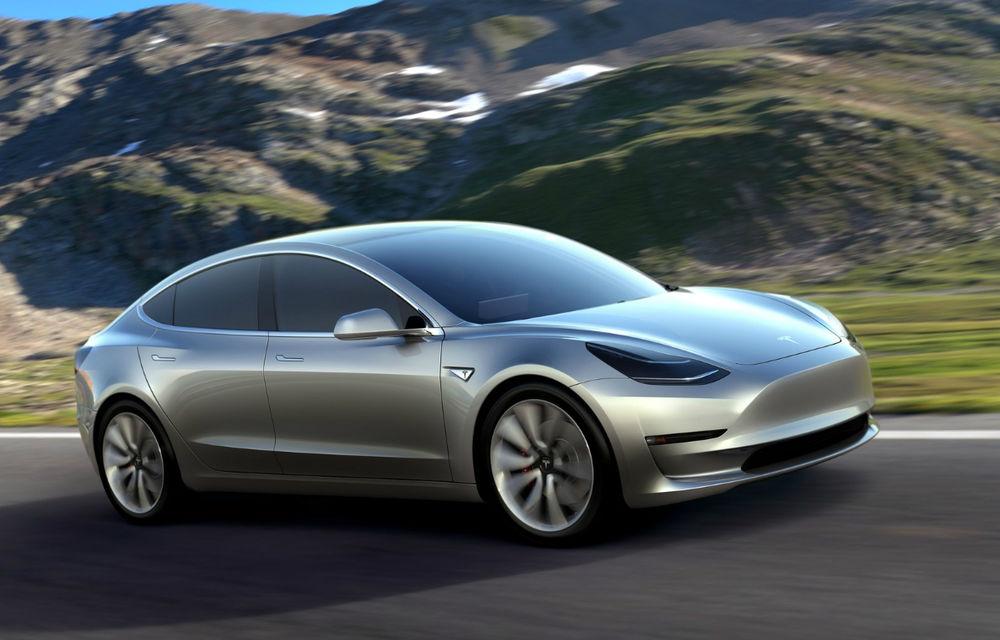 Tesla Model 3 este aici: are autonomie minimă de 350 de kilometri, costă 35.000 de dolari şi a primit deja 115.000 de comenzi - Poza 1