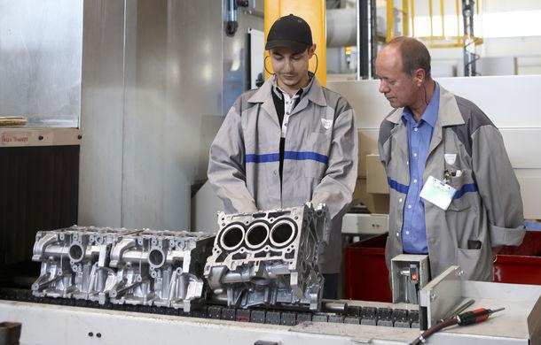 Record intern stabilit de Renault: francezii au produs 3.3 milioane de motoare în 2015 - Poza 1
