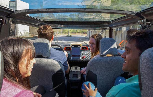 Maşina ideală pentru noua generaţie: Toyota uBox Concept poate fi folosită ca birou mobil prin eliminarea scaunelor spate - Poza 4