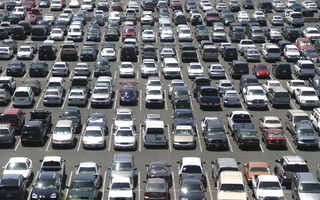 Creşte numărul de maşini vechi: vârsta medie a unei maşini din România a ajuns la 13 ani, cu 4 ani și jumătate mai mare decât în UE
