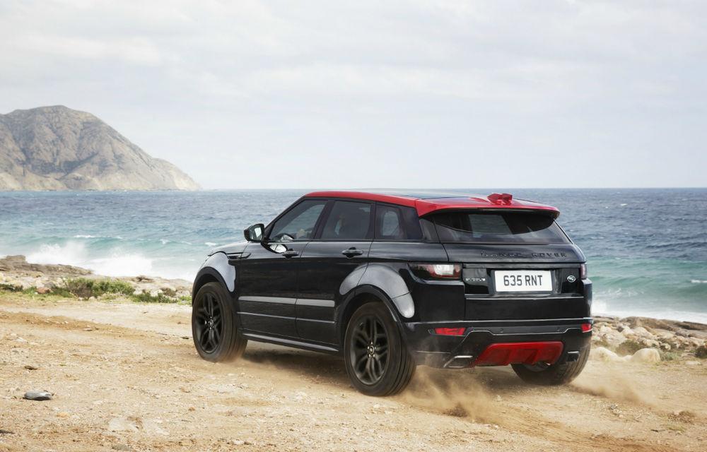Range Rover Evoque primeşte un display de 10 inch şi o ediţie limitată cu plafon roşu - Poza 5
