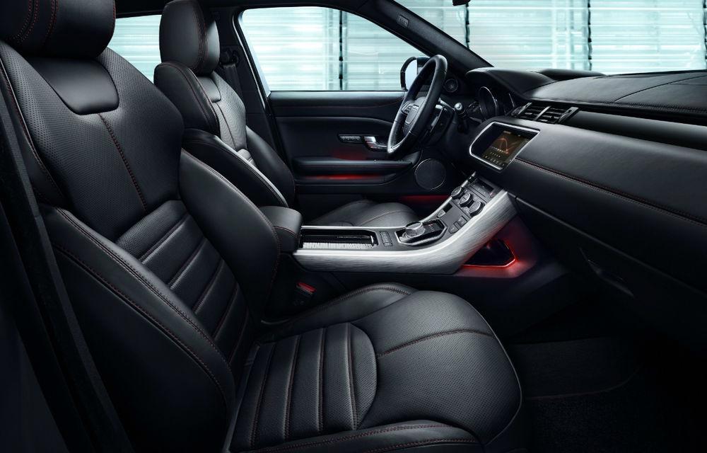 Range Rover Evoque primeşte un display de 10 inch şi o ediţie limitată cu plafon roşu - Poza 16