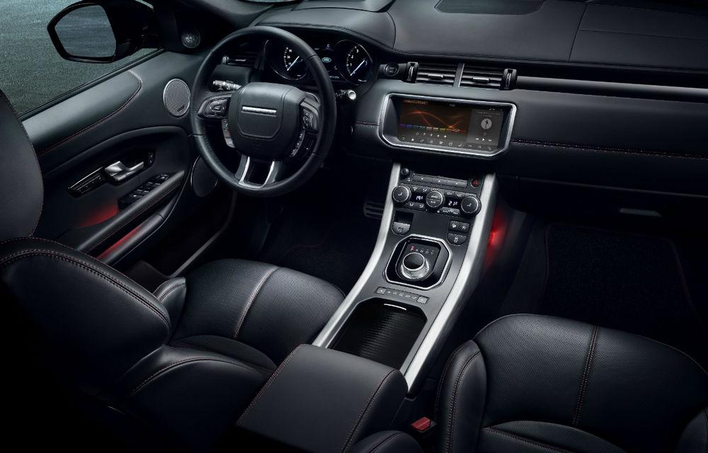 Range Rover Evoque primeşte un display de 10 inch şi o ediţie limitată cu plafon roşu - Poza 17