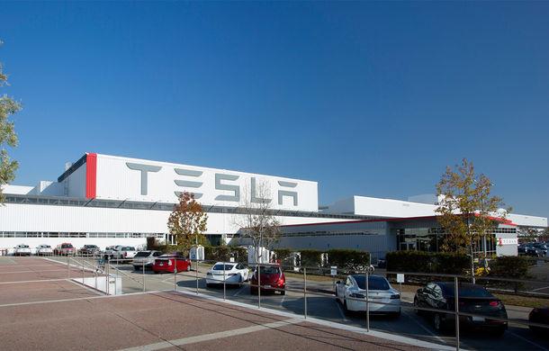 """Investigație jurnalistică americană: """"Tesla Motors folosește ilegal forță de muncă din Europa de Est pentru construirea fabricilor sale"""" - Poza 1"""