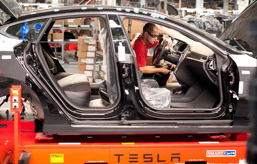 """Tesla răspunde în cazul muncitorilor aduși ilegal în SUA: """"Nu suntem responsabili legal, dar vom avea grijă ca lucrurile să fie îndreptate"""" - Poza 1"""