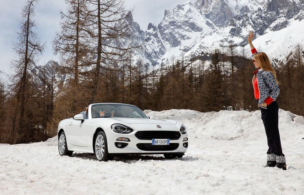 O decapotabilă promisă pentru iarnă: Fiat 124 Spider ajunge în România abia în decembrie - Poza 1