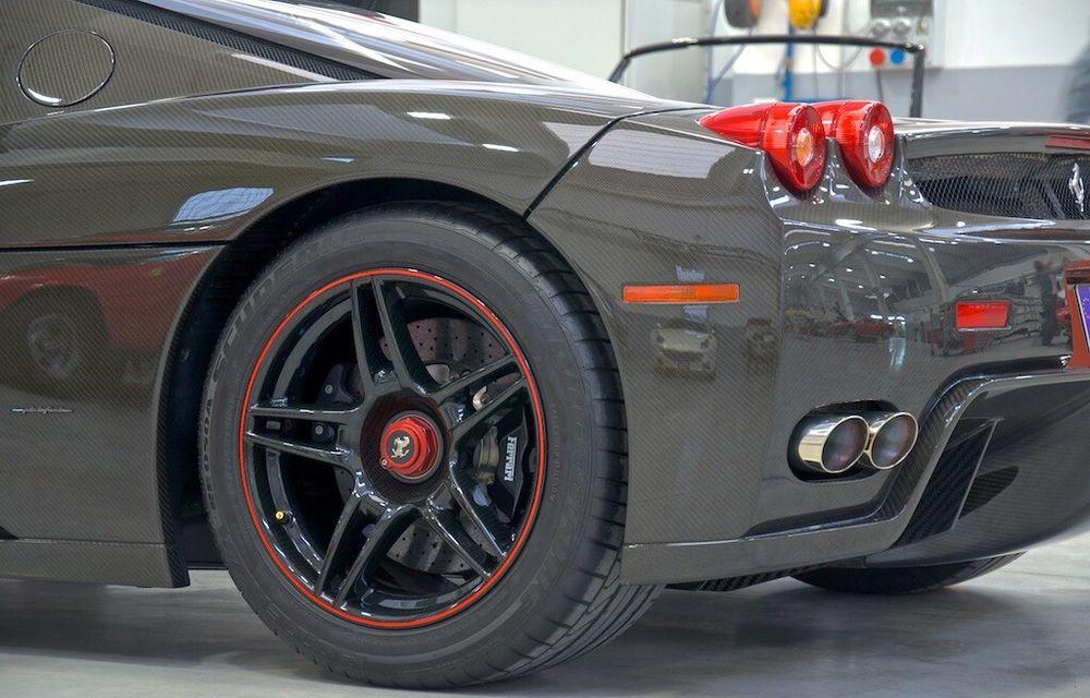 Cel mai scump Ferrari Enzo nu este nici măcar vopsit: exemplarul se vinde cu trei milioane de euro - Poza 12