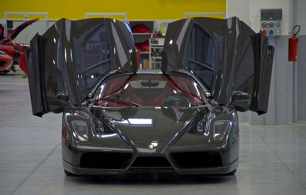 Cel mai scump Ferrari Enzo nu este nici măcar vopsit: exemplarul se vinde cu trei milioane de euro - Poza 8