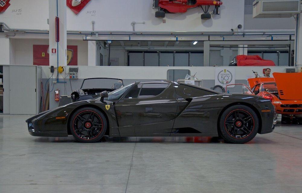 Cel mai scump Ferrari Enzo nu este nici măcar vopsit: exemplarul se vinde cu trei milioane de euro - Poza 9