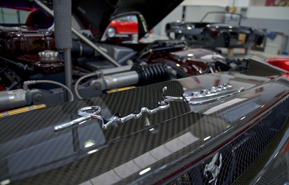 Cel mai scump Ferrari Enzo nu este nici măcar vopsit: exemplarul se vinde cu trei milioane de euro - Poza 16