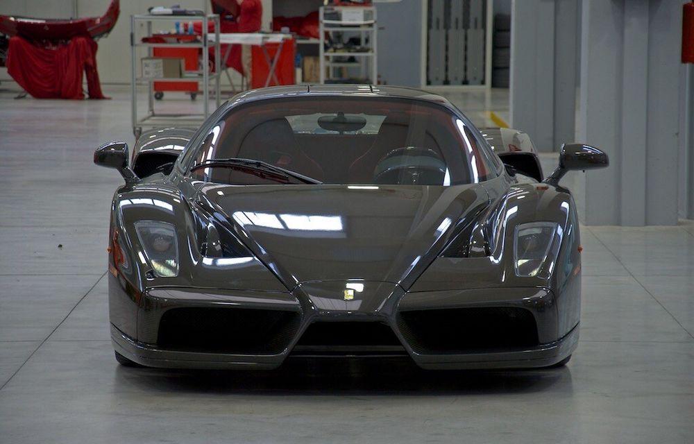 Cel mai scump Ferrari Enzo nu este nici măcar vopsit: exemplarul se vinde cu trei milioane de euro - Poza 3