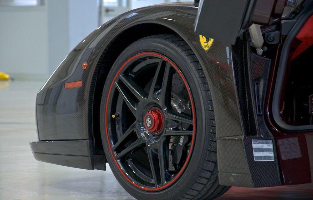Cel mai scump Ferrari Enzo nu este nici măcar vopsit: exemplarul se vinde cu trei milioane de euro - Poza 6