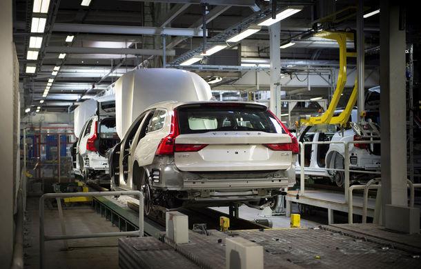 Volvo a născut primul V90 destinat clienților și așteaptă un nou record de vânzări - Poza 7
