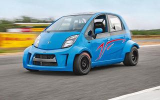 """Cea mai ieftină mașină din lume s-a """"măritat"""" cu un motor de motocicletă de 200 de cai putere și a devenit Tata Super Nano"""