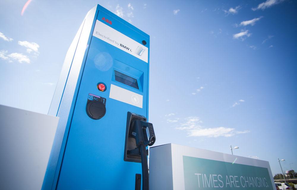 Un nou impuls pentru maşinile electrice în Bucureşti: serviciu de car sharing cu 15 unităţi BMW i3 şi staţie de încărcare de 50 kW - Poza 4