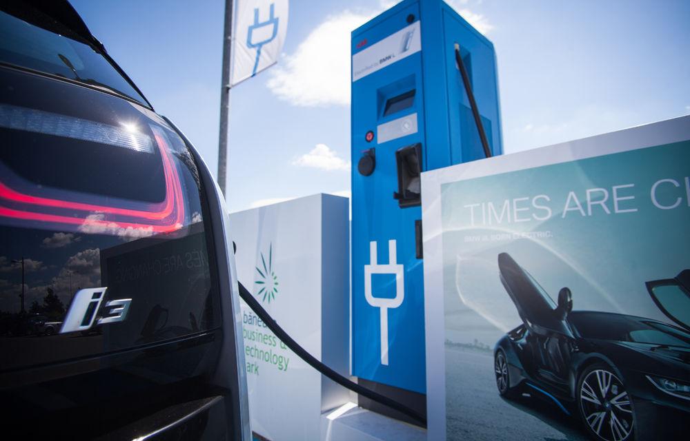 Un nou impuls pentru maşinile electrice în Bucureşti: serviciu de car sharing cu 15 unităţi BMW i3 şi staţie de încărcare de 50 kW - Poza 2