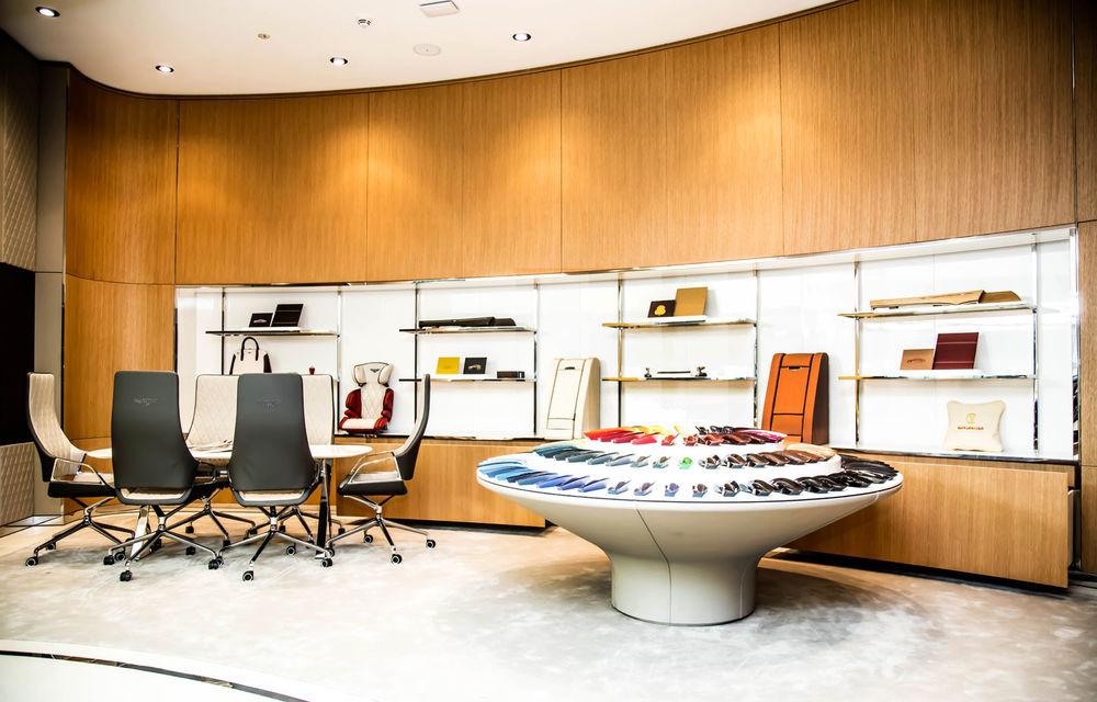 Showroom excentric pentru Bentley în Dubai: 6 etaje, 7000 de metri pătrați, grădină la ultimul etaj - Poza 5