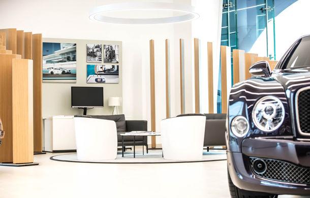 Showroom excentric pentru Bentley în Dubai: 6 etaje, 7000 de metri pătrați, grădină la ultimul etaj - Poza 1