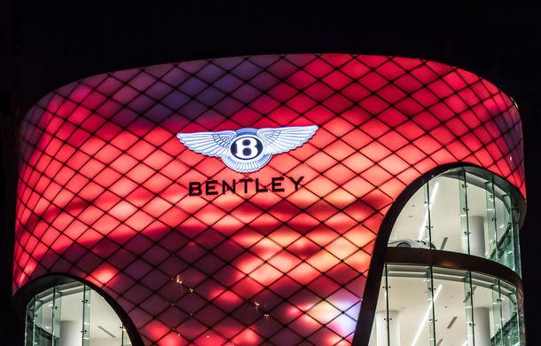 Showroom excentric pentru Bentley în Dubai: 6 etaje, 7000 de metri pătrați, grădină la ultimul etaj - Poza 2